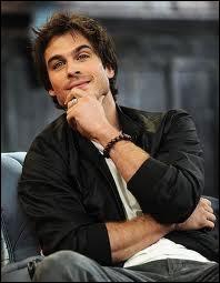 Stefan aime aussi Elena :