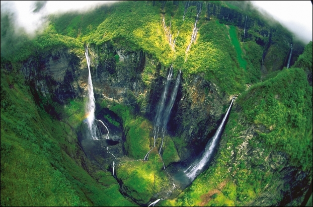 Quel est le point culminant de la Réunion ?