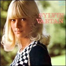 Quelle robe allait mettre Sylvie Vartan pour être la plus belle ?