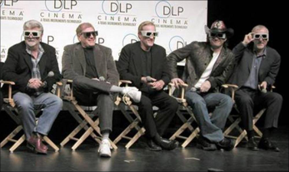 Parmi ces cinq réalisateurs, de gauche à droite sur la photo, qui a écrit et réalisé ce planet opéra ?