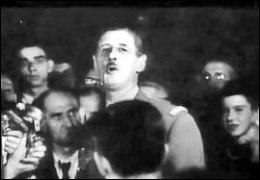 Quels adjectifs le général de Gaulle a-t-il associés à la ville de Paris dans son célèbre discours de l'Hôtel de Ville :  Paris ... , Paris... , Paris... mais Paris ...   ?
