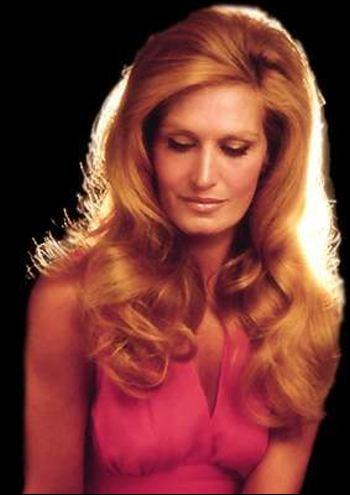 Sous quel titre est plus connue la chanson interprétée par Dalida  Dans le bleu du ciel bleu , chanson classée 3ème au Concours Eurovision de la chanson 1958 ?