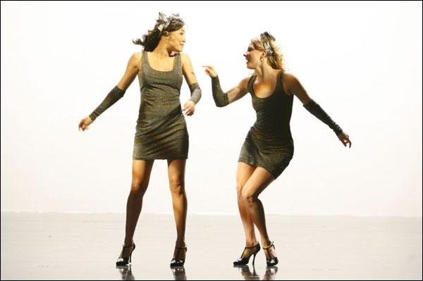 Combien de chansons de Withney Houston ont été reprises dans l'épisode   Dance With Somebody   ?