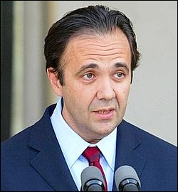 Voici Frédéric Salat-Baroux, ancien secrétaire général de la Présidence de la République française, qui est l'époux de ?