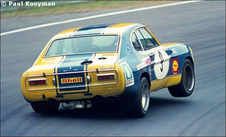 La photo te dit qu'il s'agit d'une Ford :