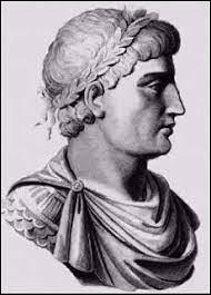 De quelle manière l'Empereur romain d'Orient Théodose II, dans une situation désespérée, parvient-il à négocier la paix avec Attila ?