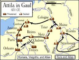 Quelle femme de pouvoir ayant sollicité son aide, a servi de prétexte à Attila pour envahir la Gaule romaine ?