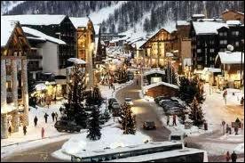 Quelle est cette manifestation accueillie par la station de Val d'Isère chaque année ?