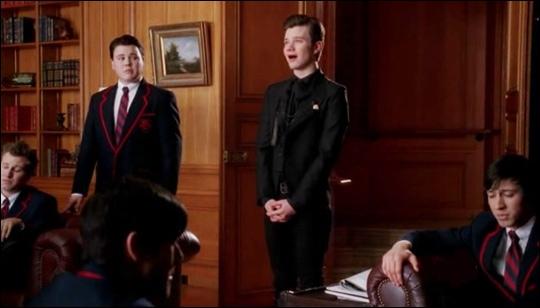 Dans quel épisode Kurt chante-t-il  Blackbird  en hommage à Pavarotti ?
