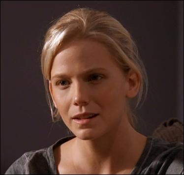 Voici Rebecca Bryant, jeune fille malheureuse dont le rôle a joué une importance capitale durant la fin de la première saison. Rappelez-vous. A quel(s) grand(s) psychopathe(s) a-t-elle été confrontée ?