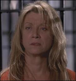 Cette femme a un visage qui parait familer, n'est-ce pas ? Elle fut la compagne de Jacob Dawes, tueur en série condamné à mort dans la 1ère saison. Vous rappelez-vous de son(ses) nom(s) ?