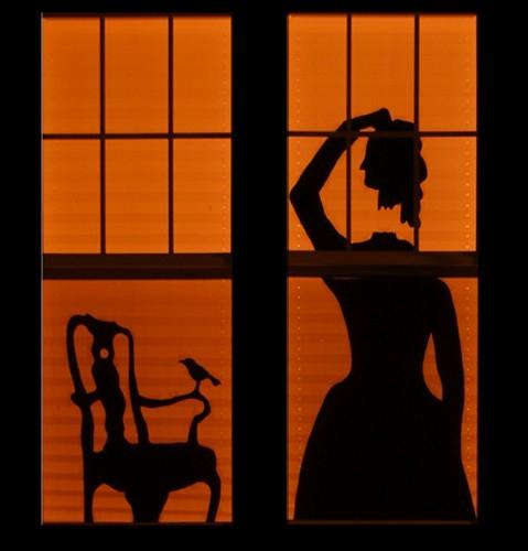 Toujours dans la série Découpages derrière les fenêtres, en voici un de très impressionnant, qu'on pourrait penser sorti du film... ?