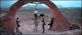 Dans le film de Sergio Leone  Il était une fois dans l'ouest , comment s'appelle le  méchant  incarné par Henry Fonda ?