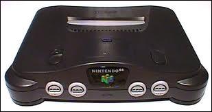 Quel est le nom de cette console arrivée en 1997 en Europe ?