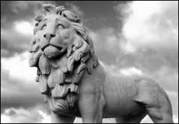 De quelle contrée venait le lion dont Héraclès devait ramener la dépouille lors de son premier travail ?