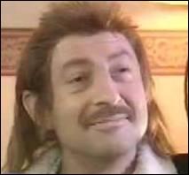 L'acteur de  Bienvenue chez les Ch'tis  s'est aussi illustré en duo avec Olivier Baroux. Qui Kad(dour) Merad incarne-t-il avec brio dans ce sketch ?