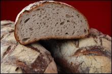 Gastronomie : si on mange un morceau d'un pain complet, celui-ci reste-t-il quand même complet ?