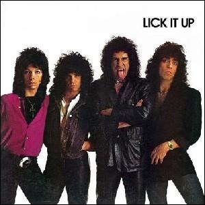 Quel groupe a sorti l'album   Lick It Up  ?