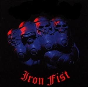 Quel groupe a sorti l'album  Iron Fist  ?