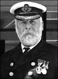 Comment se nomme le capitaine ?