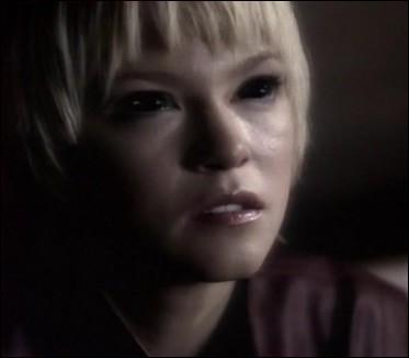Dans la saison 3, Meg revient pour se venger de Sam. Comment s'y prend-elle ?