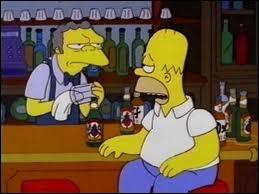 Comment s'appelle le patron du bar où Homer passe le plus clair de son temps ?
