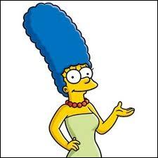Combien mesure la femme d'Homer (incluant les cheveux) ?