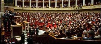 Pour un parlementaire, exécuter servilement les consignes du leader de son parti sans discuter, c'est être un député--------