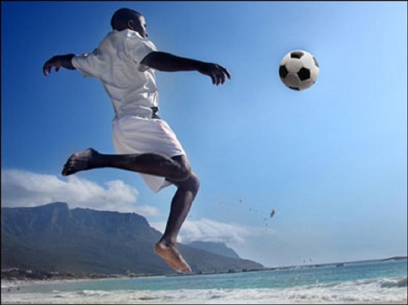 En novembre 2012, l'équipe de France de football est classée 13ème au classement mondial FIFA. Mais quelles sont les trois premières nations ?