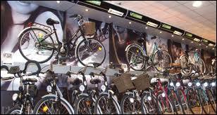 Si vous avez réalisé un bon score sur ce quiz , c'est que vous en connaissez ------ en matière de cyclisme.