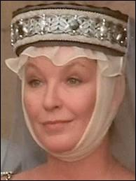 Par la grâce des costumes et des actrices notamment, Marina Vlady (en photo), Martine Sarcey, la jeune Sophie Barjac, la saga de Jeanne Bourin l'écrivain devint une série à succès...