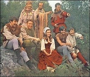 C'était le temps où l'on courait la forêt pour piéger les anglais, et c'était le temps où les collants plissaient aux genoux, faute d'élasthanne. Ta ta ta tatata tata...
