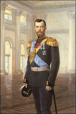 Quel tsar a abdiqué suite à la révolution russe de février 1917 ?