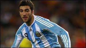 Quelle est la deuxieme nationalité de Gonzalo Higuain ?