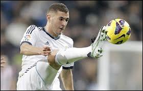 Où jouait Benzema avant de venir au Real Madrid ?