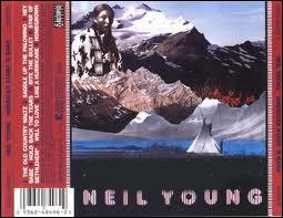 Album éclaté paru en 77 mais enregistré de novembre 74 à avril 77 il contient une chanson, enregistrée au bord du feu, d'une beauté lancinante et pénétrante. L'album s'appelle :