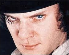 Malcolm McDowell a joué beaucoup de rôles pour le cinéma mais il en est un qui lui colle à la peau : celui d'Alex dans le film...