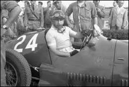 Quel pilote a été sacré 4 fois champion du monde consécutivement (de 1954 à 1957) dans 4 écuries différentes ?