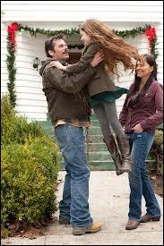 Pour Noël, qu'a offert Bella à son père ?