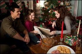 Pour Noël, qu'a offert Jacob à Renesmée ?