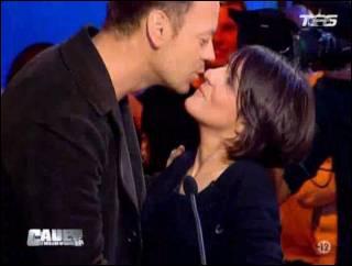 L'a-t-elle vraiment embrassée ?