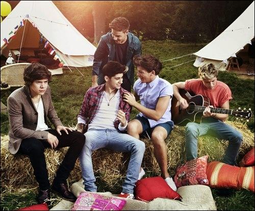 Le deuxième album des One Direction s'appelle   Up All Night  .