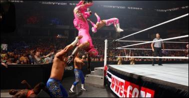 Epico & Primo, The Prime Time Players & Tensaï vs Rey Mysterio, Sin Cara, Justin Gabriel & Tyson Kidd : qui sont les vainqueurs ? (Elimination Tag Team Match)