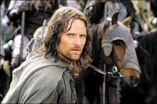 Où les hobbits le trouvent-ils au début ?