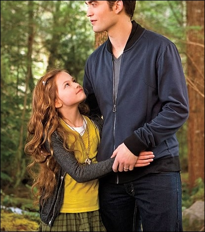 Que faisaient Edward et Renesmée à ce moment-là ?