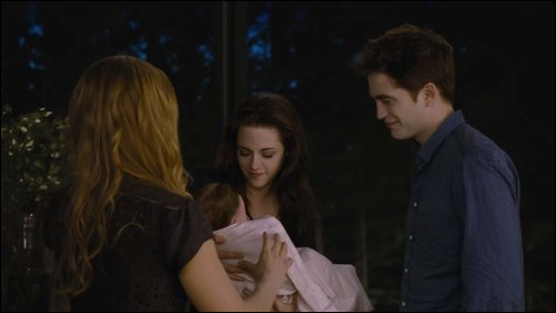 Quel cadeau Alice offre-t-elle à Bella pour son anniversaire ?
