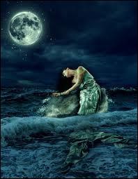 Et quand tu voudrais lui dire que tu n'as pas d'amour pour elle, elle t'emmène dans ses ondes et laisse la mer répondre que depuis toujours tu l'aimes  , quelle est cette chanson ?