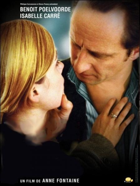 Film franco-belge réalisé par Anne Fontaine en 2005, adapté du roman Les Kangourous de Dominique Barbéris avec Benoît Poelvoorde, Isabelle Carré, Valérie Donzelli ... .