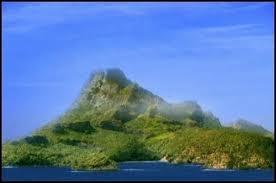 Comment s'appelle l'île où Emma, Rikki et Cleo ont été transformées ?
