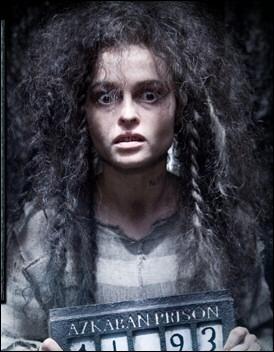 Pourquoi Bellatrix et son mari, Rodolphus Lestrange, ont-ils été condamnés à l'emprisonnement à Azkaban quelques années auparavant ?